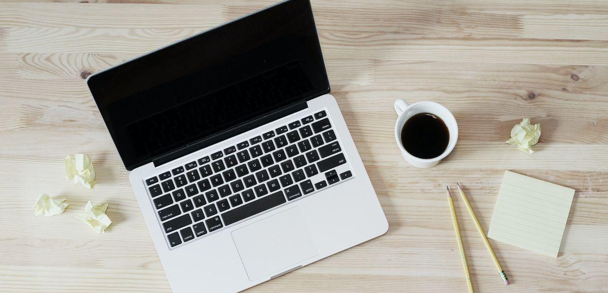 macbook desk coffee paper desk